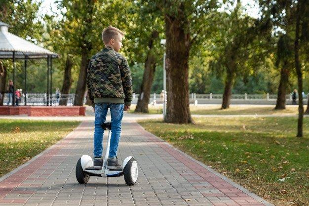 Lee más sobre el artículo Desde que edad se puede utilizar un hoverboard